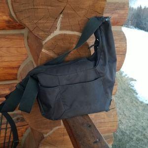 LowePro Passport Sling ll shoulder Camera bag